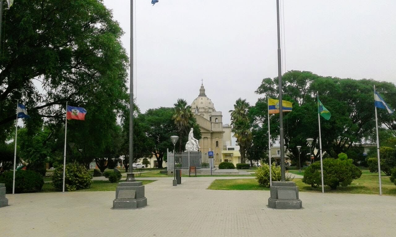 Plaza_Capitán_de_los_Andes-Villa-Nueva